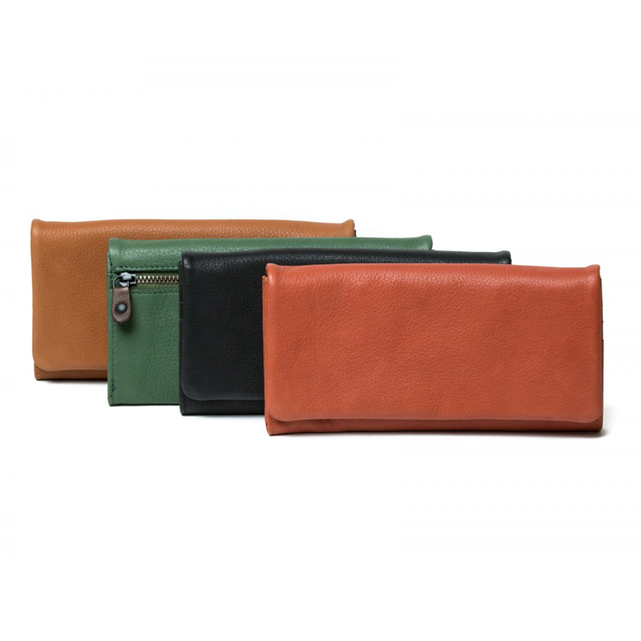 Scarlet wallet by Oran Leather. Slim-line, soft leather, ladies wallet. Hidden magnets under flap. - 12 card slots. - 4 note sections - Back external zip for coins. - RFID - Cotton 'jeans' lining. Product Dimension Length: 18 Centimeters Height: 10 Centimeters Width : 2.5 Centimeters