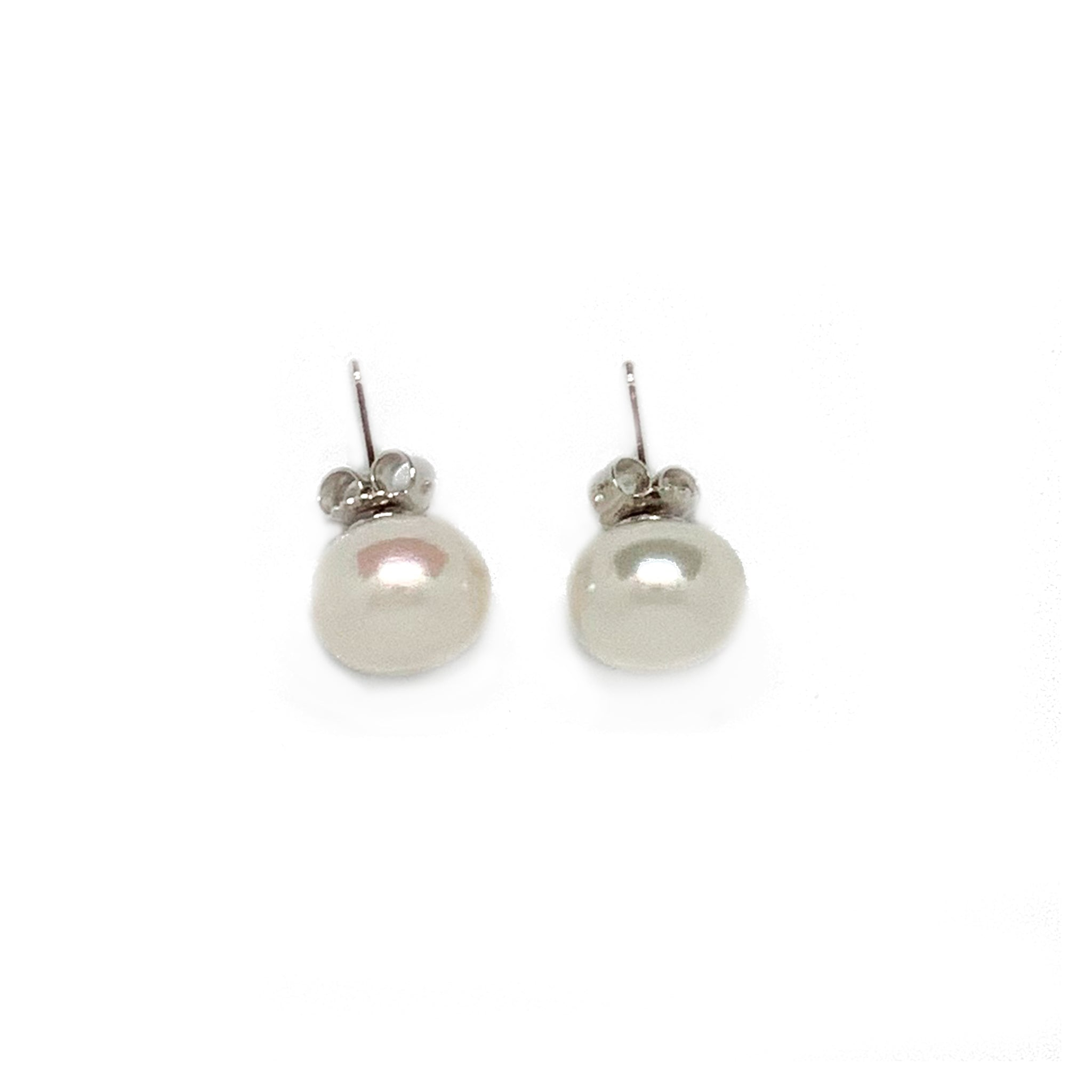 Small Pearl Studs
