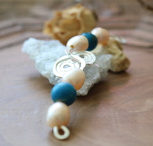 Load image into Gallery viewer, Freshwater Pearls Pendant