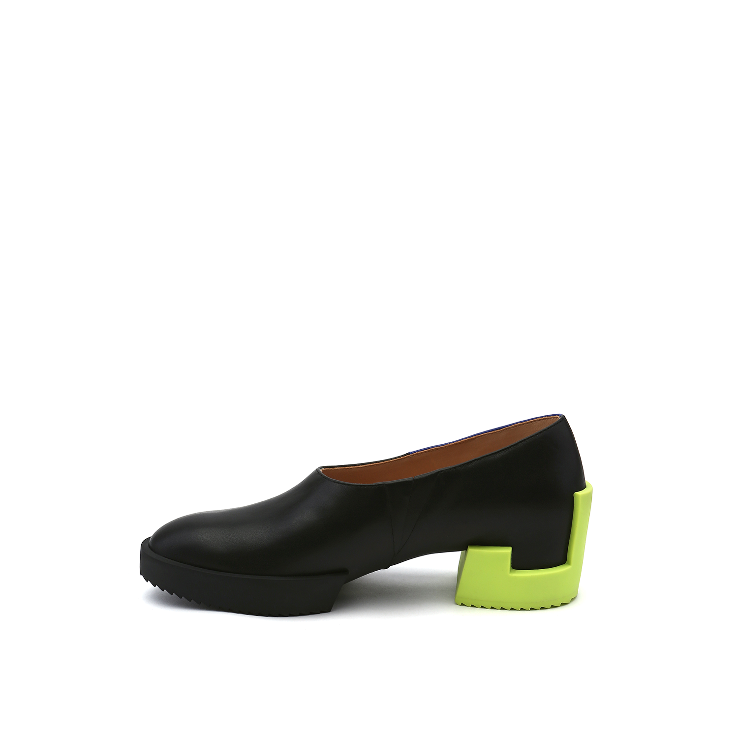 Cubic Pump Black Hued