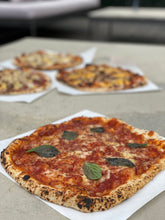 Load image into Gallery viewer, Pizza Margherita