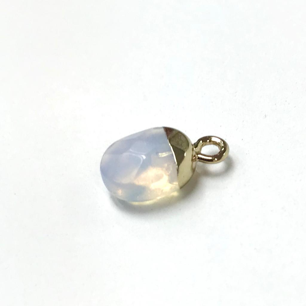 <b>Clear Quartz Pendant</b><br><i> One piece</i>