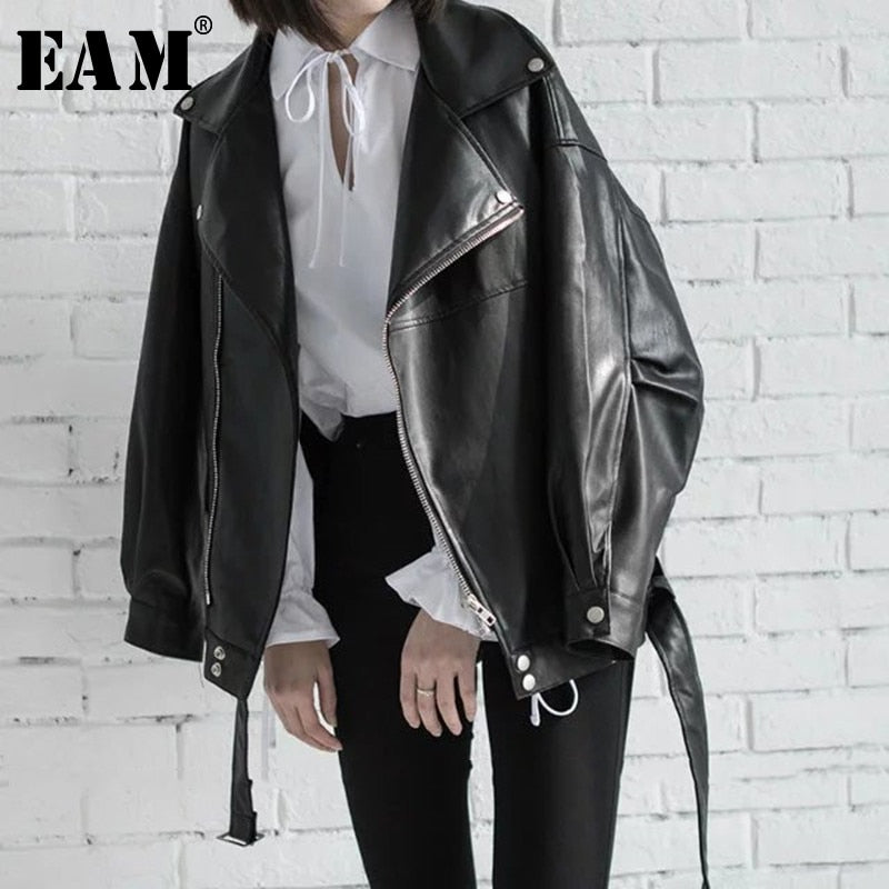 [EAM] High Quality 2020 Spring Black PU Leather Loose Turn-down