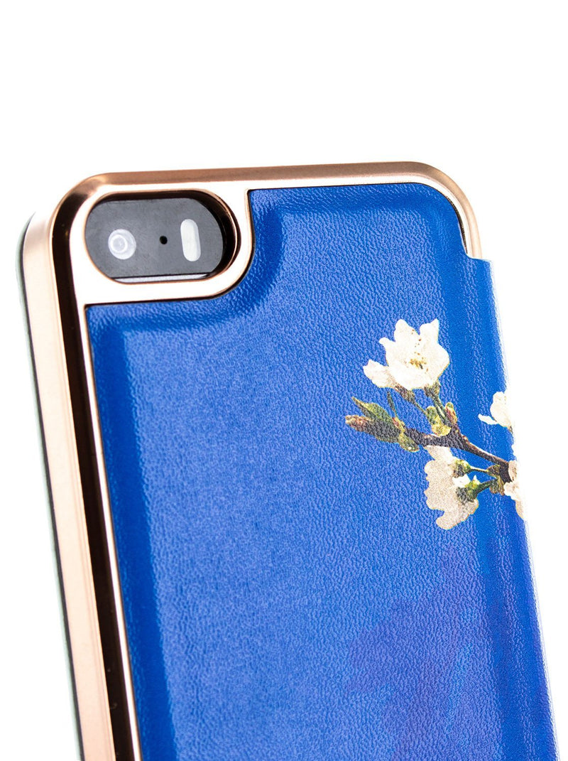 Detail image of the Ted Baker Apple iPhone SE / 5 phone case in Blue
