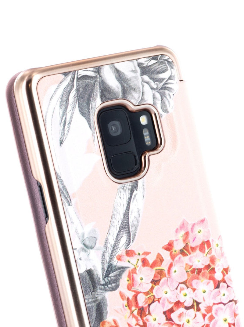 Detail image of the Ted Baker Samsung Galaxy S9 phone case in Nude