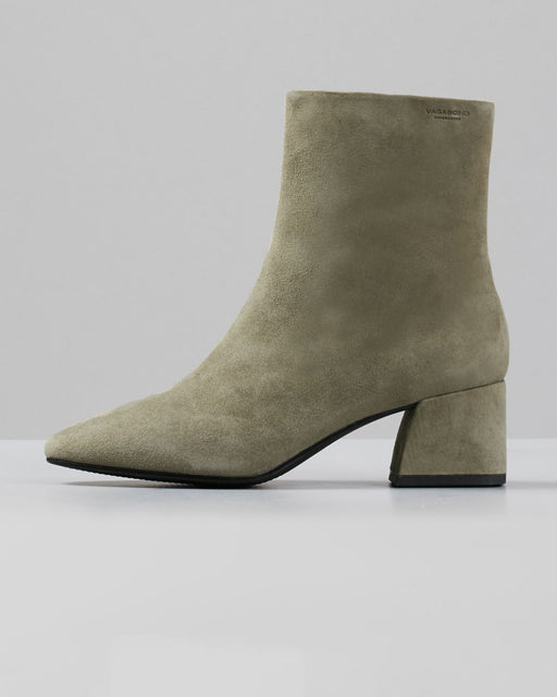 Vagabond Shoemakers:Alice Boot – Light Olive Suede,ANOMIE