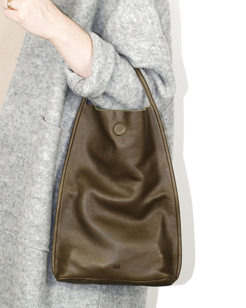 Mano Clutch – Olive