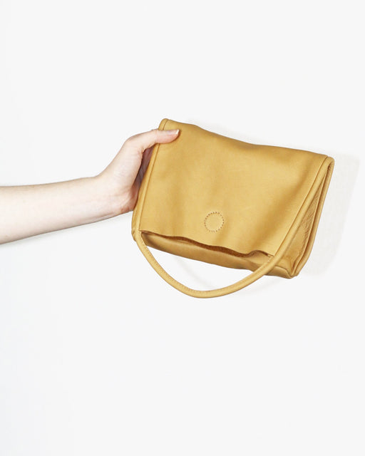ARE:Mano Clutch – Tan,ANOMIE