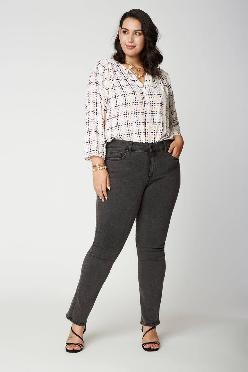 Marilyn Straight Jeans In Plus Size - FOLSOM