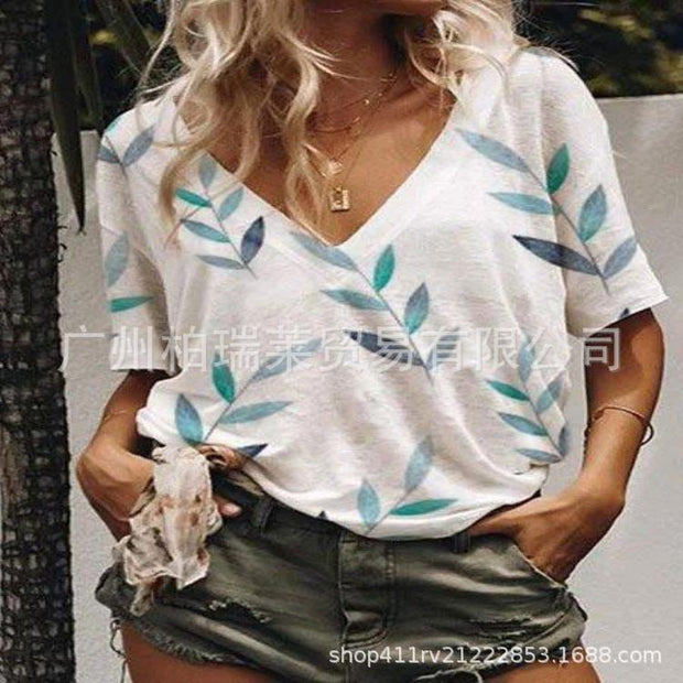 Large casual short sleeve printed V-neck short sleeve T-shirt for women