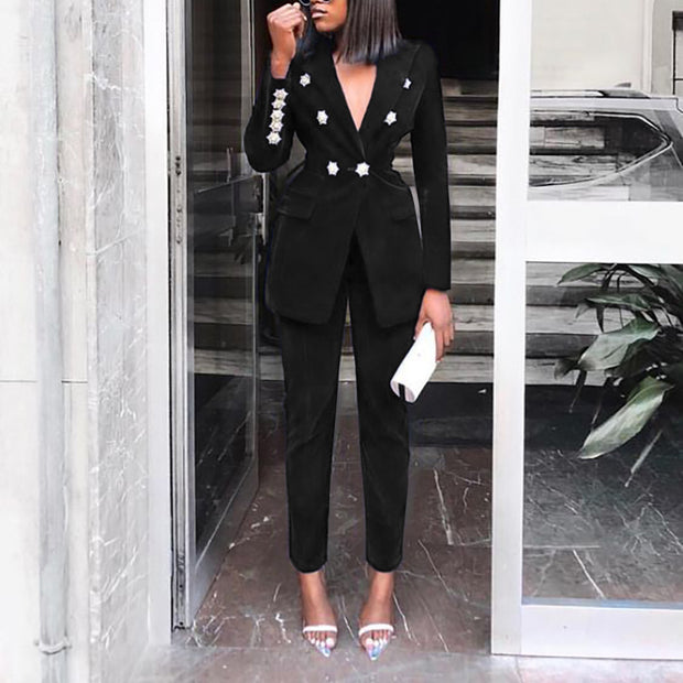 Lapel buttoned solid color casual suit
