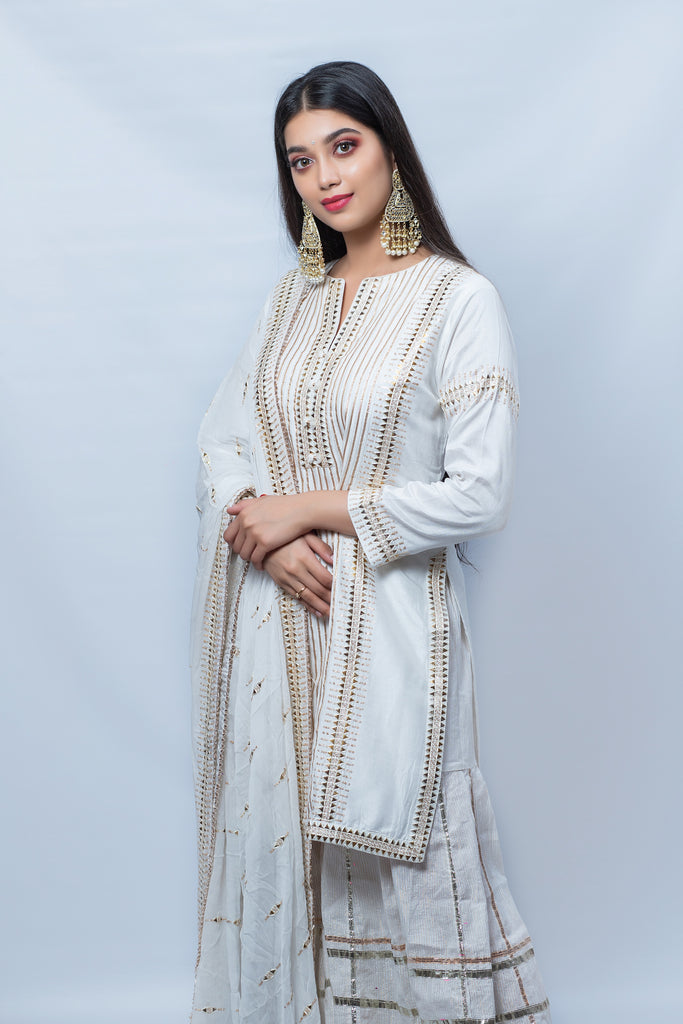 Digangana Suryavanshi in Chaand Kurta with Sharara - Off-White-Sharara Set-Gopi Vaid Designs