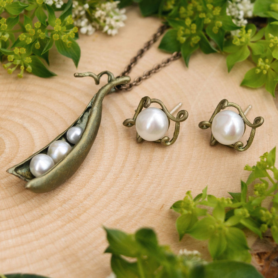 Three Pearl/Peapod Necklace