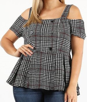 Plus size plaid short sleeve top