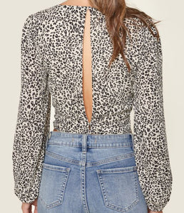 Leopard Print Puff Sleeve Crop Top