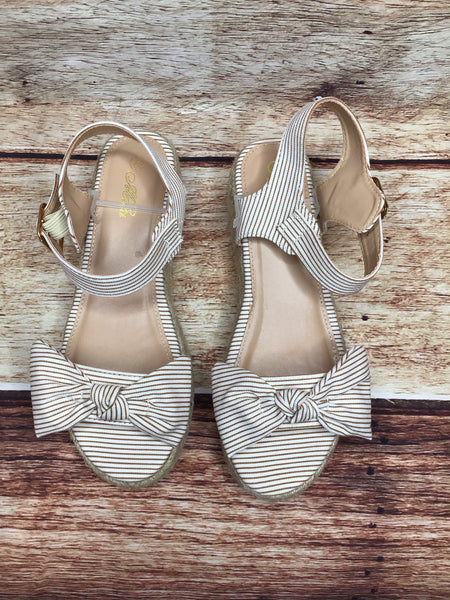 Platform Striped Sandals With Clasp