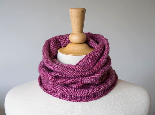 Abacus Reversible Cowl Free Pattern Yarn Indulgences