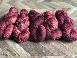 Zed Superfine Merino Fingering - Plum Pudding