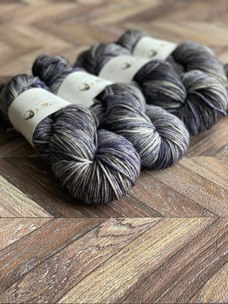 Zed MCN Worsted- Darkness