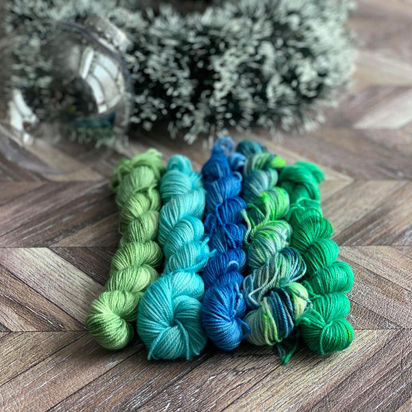 Zed Luxe Mini Yarn Ornament No.3