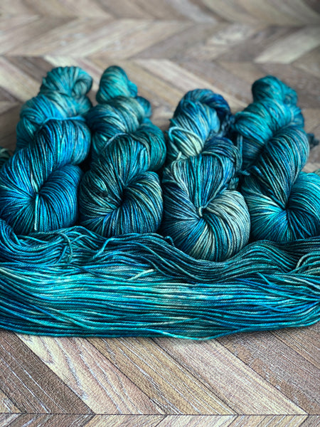 Zed MCN Worsted- Abyss