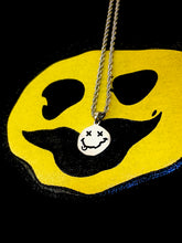 Load image into Gallery viewer, Smiley Necklace