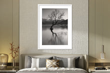 Load image into Gallery viewer, Lake Wanaka Tree - BWSM054