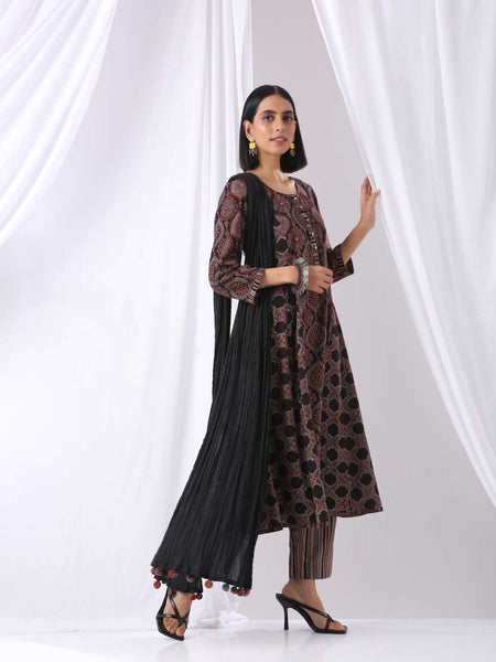 Black panelled anarkali kurta with printed pants- set of two - Label Raasleela