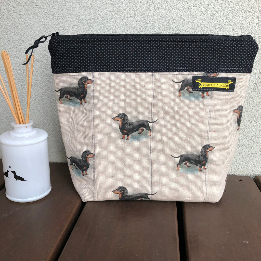 Black and Tan Dachshund Linen Waterproof Lined Toiletry Bag
