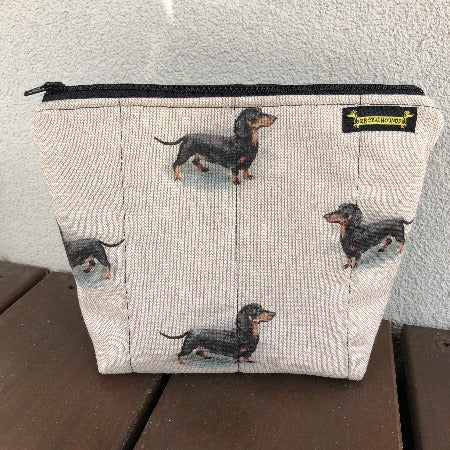 Black and Tan Dachshund Linen Pouch Bag