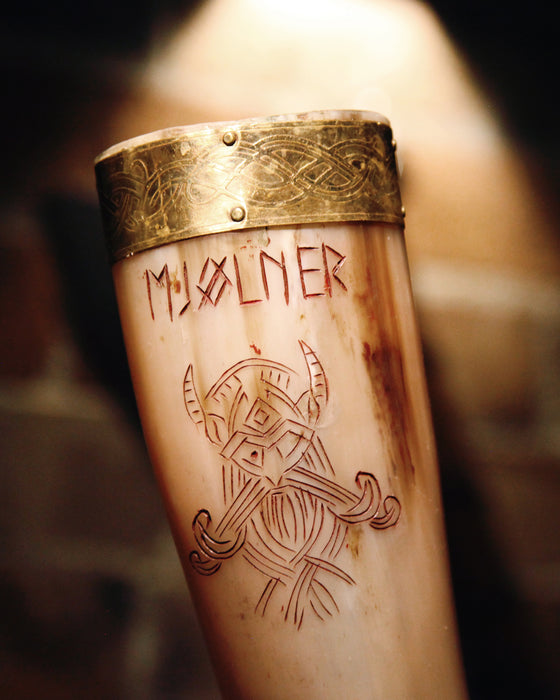 Mjølner Drinking Horn and Stand
