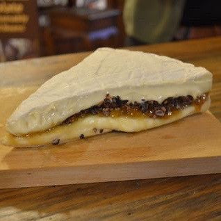 Cacao nibs + Fig jam + Brie Cheese