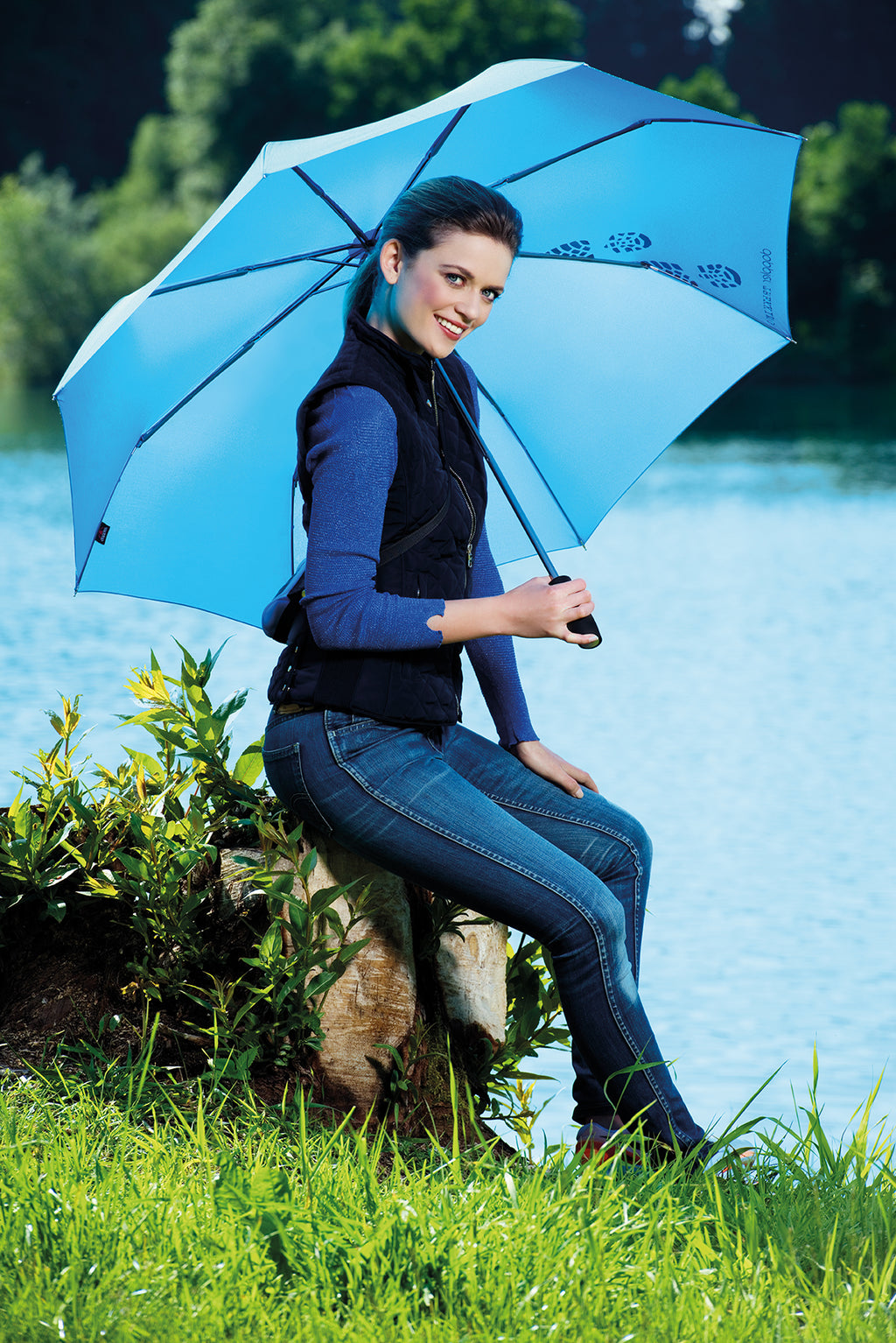 NEW Doppler Lightweight Trekking Umbrella - Kiwi