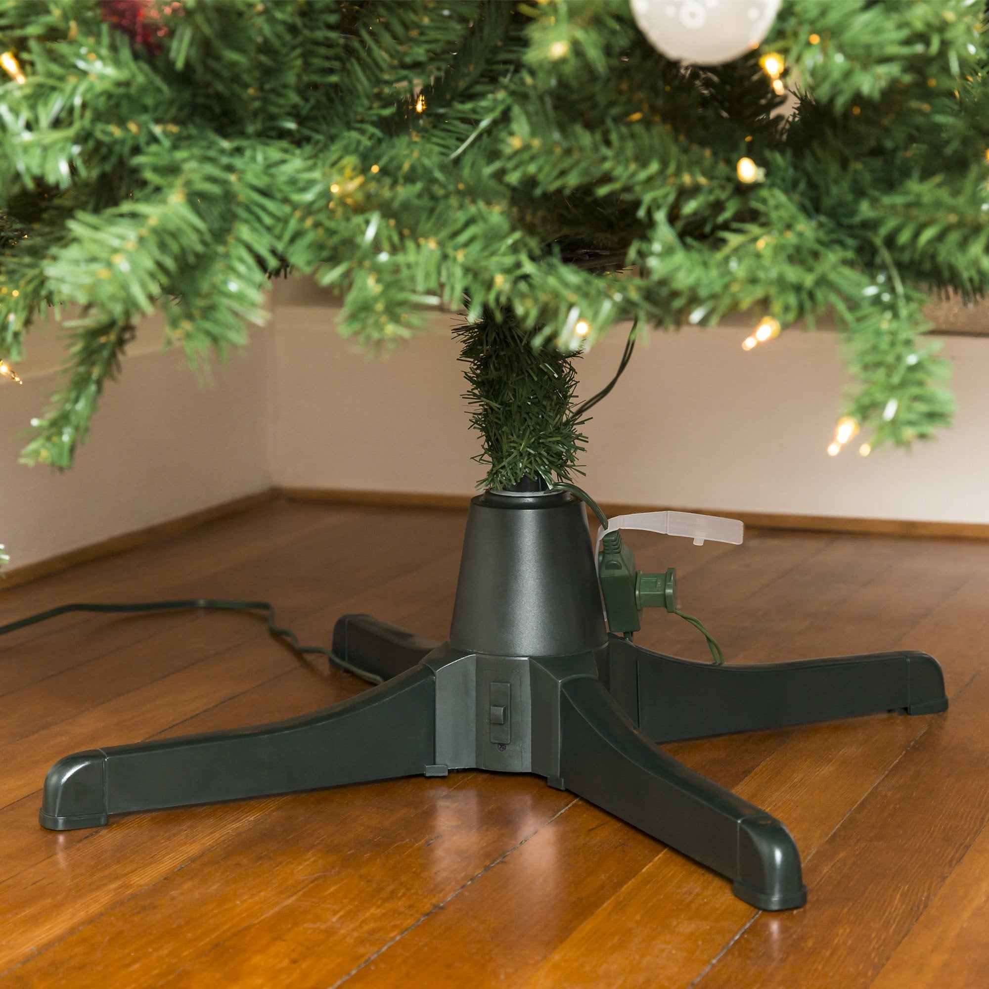 360-Degree Rotating Christmas Tree Stand w/ 3 Settings, 3 Outlets