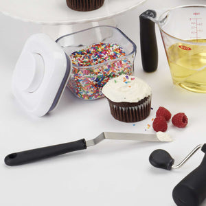 OXO Good Grips - Cupcake Icing Knife