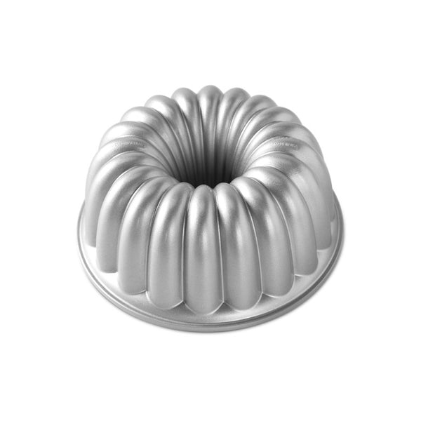 Nordicware Elegant Party Christmas Bundt Baking Tin