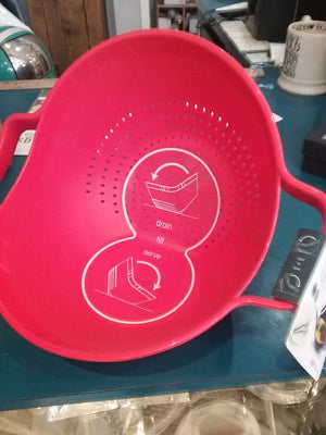 Drain and serve colander