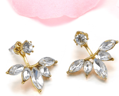 Diamond stud earrings - FashionBazzaar