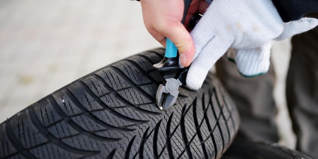 Flat Tire Service Oshawa - Flat Tire Roadside Assistance provided on demand, by Sparky Express