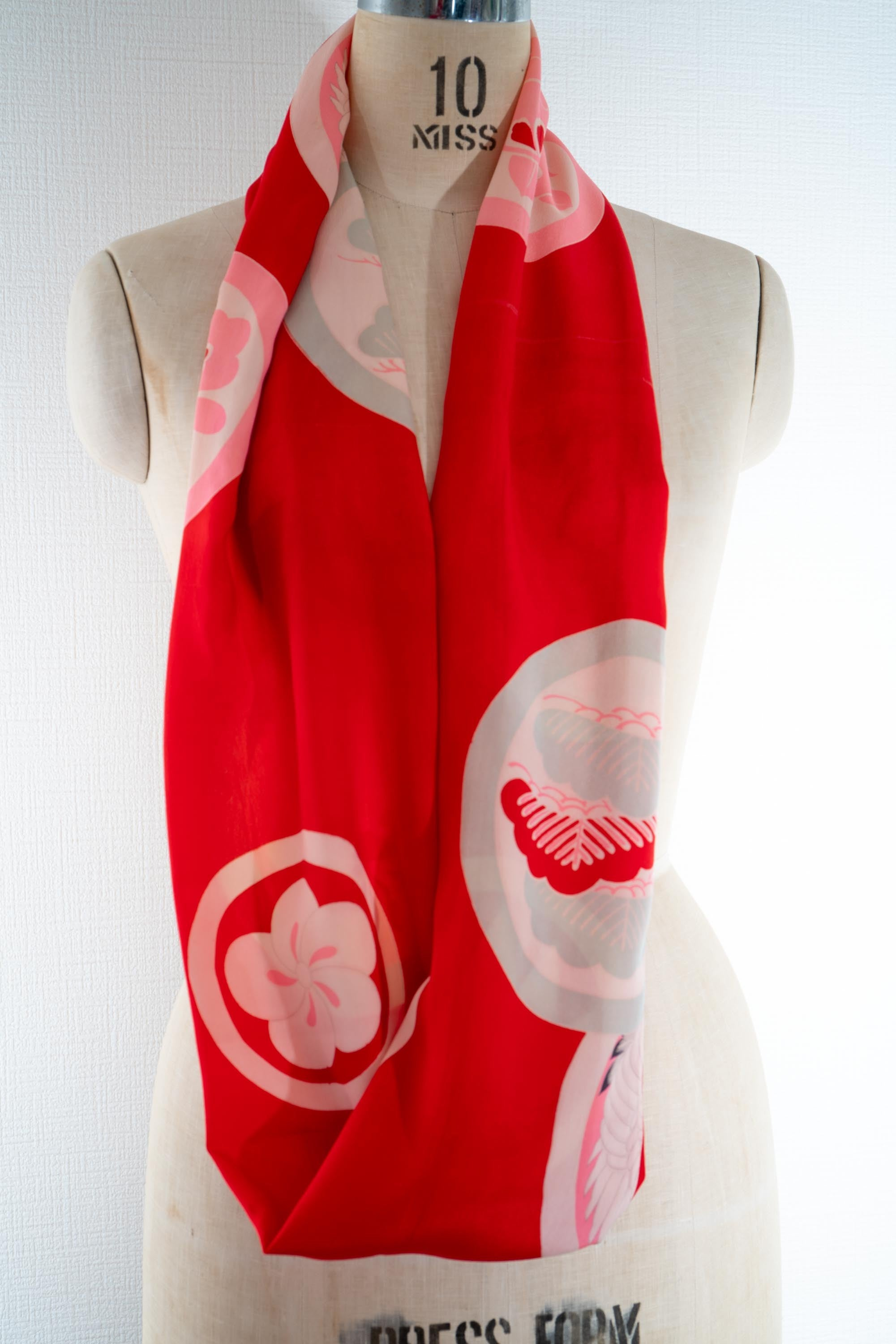 Upcycled Vintage 1960s Kimono Infinity Scarf Japanese Patterns Heron Flowers Maru Circles Women's Silk Red Schal Skjerf Bufanda