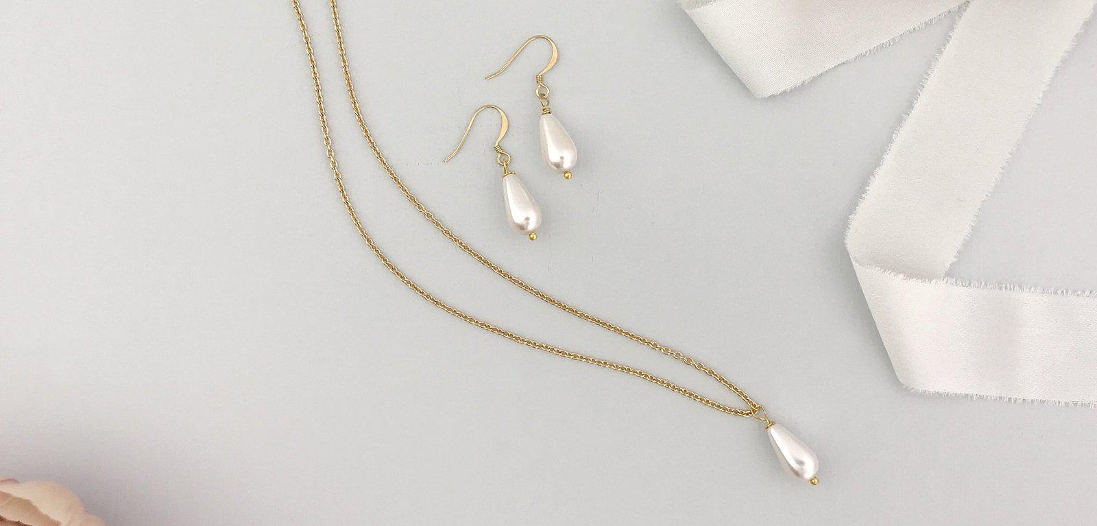 Pearl drop wedding necklace and earring set in gold - Hermie
