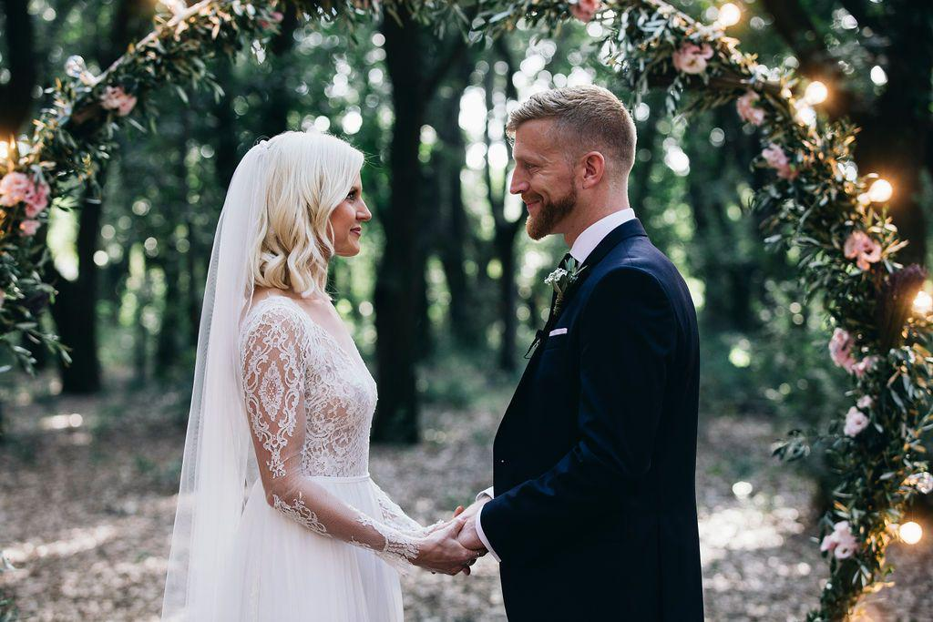 Real Bride | Anna Kara Dress | Pencil Edge Single Tier Wedding Veil Elsie