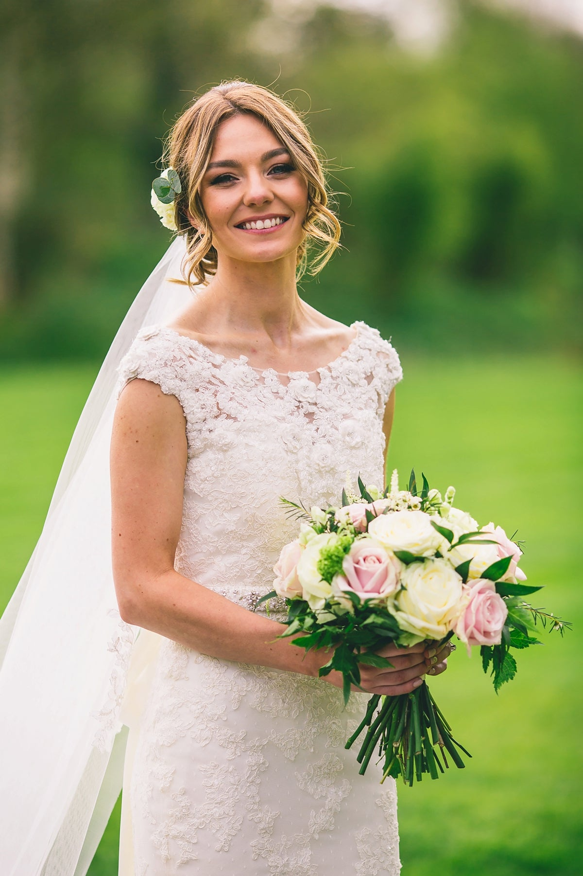 Lace flower motif wedding veil - Paisley - Britten Bride - Jodie