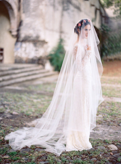 winter wedding veil inspiration