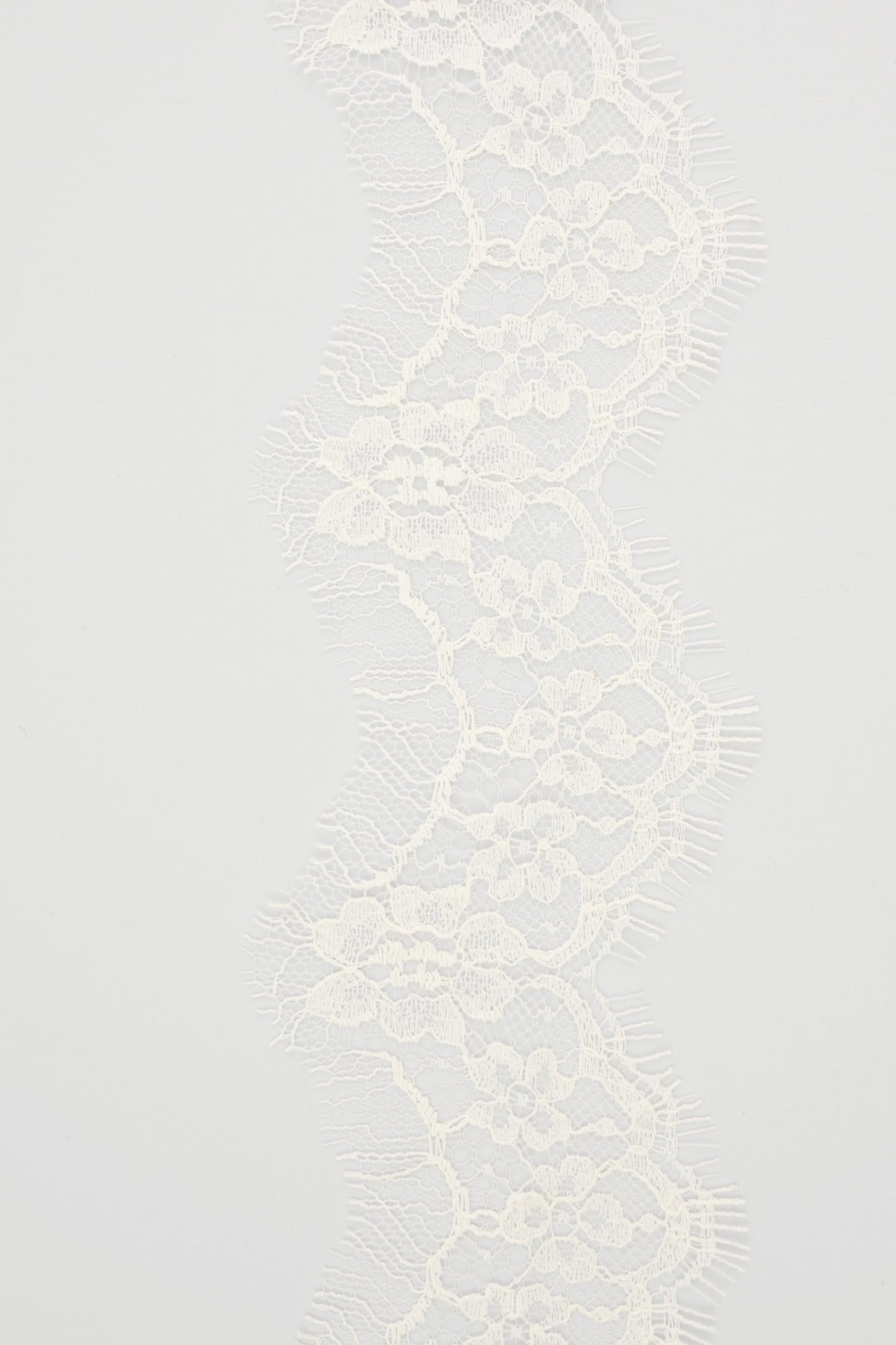 bespoke lace option for veils