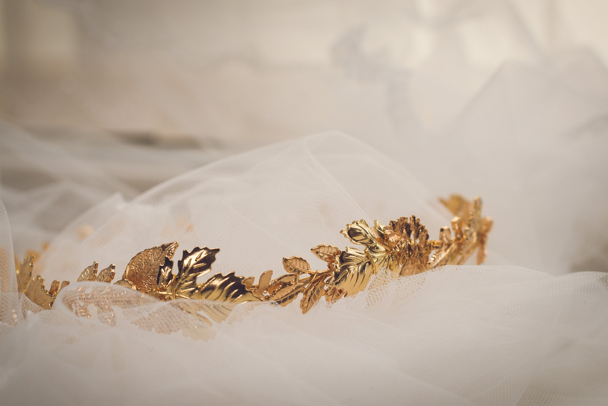 Bespoke golden leaf crown hair vine - Britten bride - Georgia