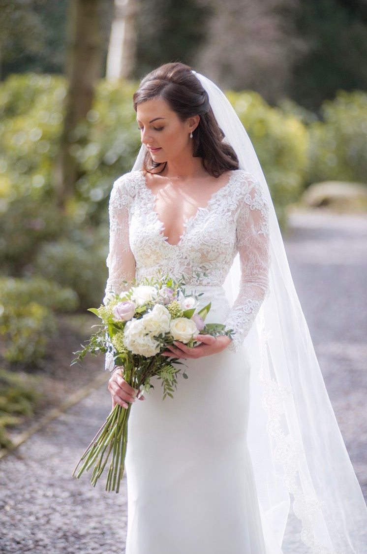 Lace edge single tier wedding veil - Emma - Britten Bride – Jessica