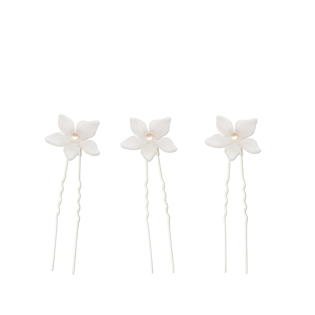 Lea white pearl flower hairpin by Britten Weddings