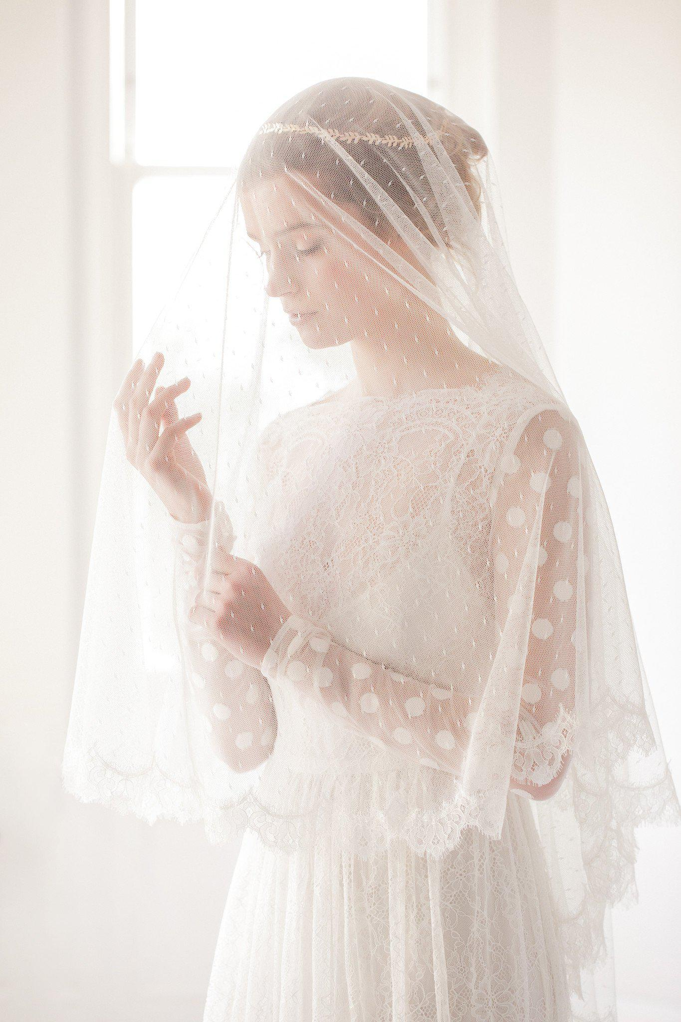 Drop wedding veil with polka dot tulle and french eyelash lace trim- 'Amie'