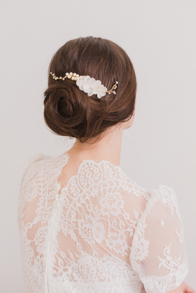 bridal hair combs with flowers